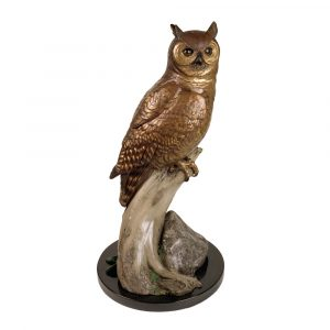 great horned owl, owl's nest restaurant, caswell sculpture, sunriver sentinel, owl, bird, bronze, statue, brass, figure, kelso, washington, longview, abstract, Alison Caswell, animal, animals, architectural design, art, art collector, art foundry, art investment, art work, award winning art, awards, brass, brass figures, bronze, bronze foundry, bronze sculpture, bronze statue, carving, casting, Caswell, Caswell sculpture, collectable art, collection, conservation, contemporary, contemporary art, corporate art, corporate awards, decorating with art, deer, design, endangered, figurines, fine art, gallery art, historical art, home décor, human sculpture, impressionistic art, Jackson hole art, kitchen, landscape, life, life-size, limited edition, lost wax, medium, memorial, miniature, modern, Monument, national geographic, northwest art, northwest artist, Oregon artist, Oregon sculptors, outdoor art, outdoor sculpture, patina, patron of the arts, portrait, public art, rare, rare art, realism art, realistic art, red list, Rip Caswell, saving species, sculptor, sculptors, sculpture, statuary, statue, tax free art, top sculptors, traditional, Troutdale art, university mascots, urns, valuable art, western art, wild, Wildlife, firebird bronze foundry, wildlife statue, animal statue, animal sculpture, bronze animal art, bronze animal statue, bronze animal sculpture, owl statue, great horned owl statue, owl bronze statue, owl bronze sculpture, rip caswell owl, rip caswell bird, bird statue, bronze bird statue, audobon